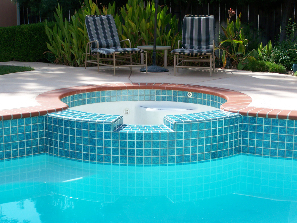 Swimming pool re-tile repair