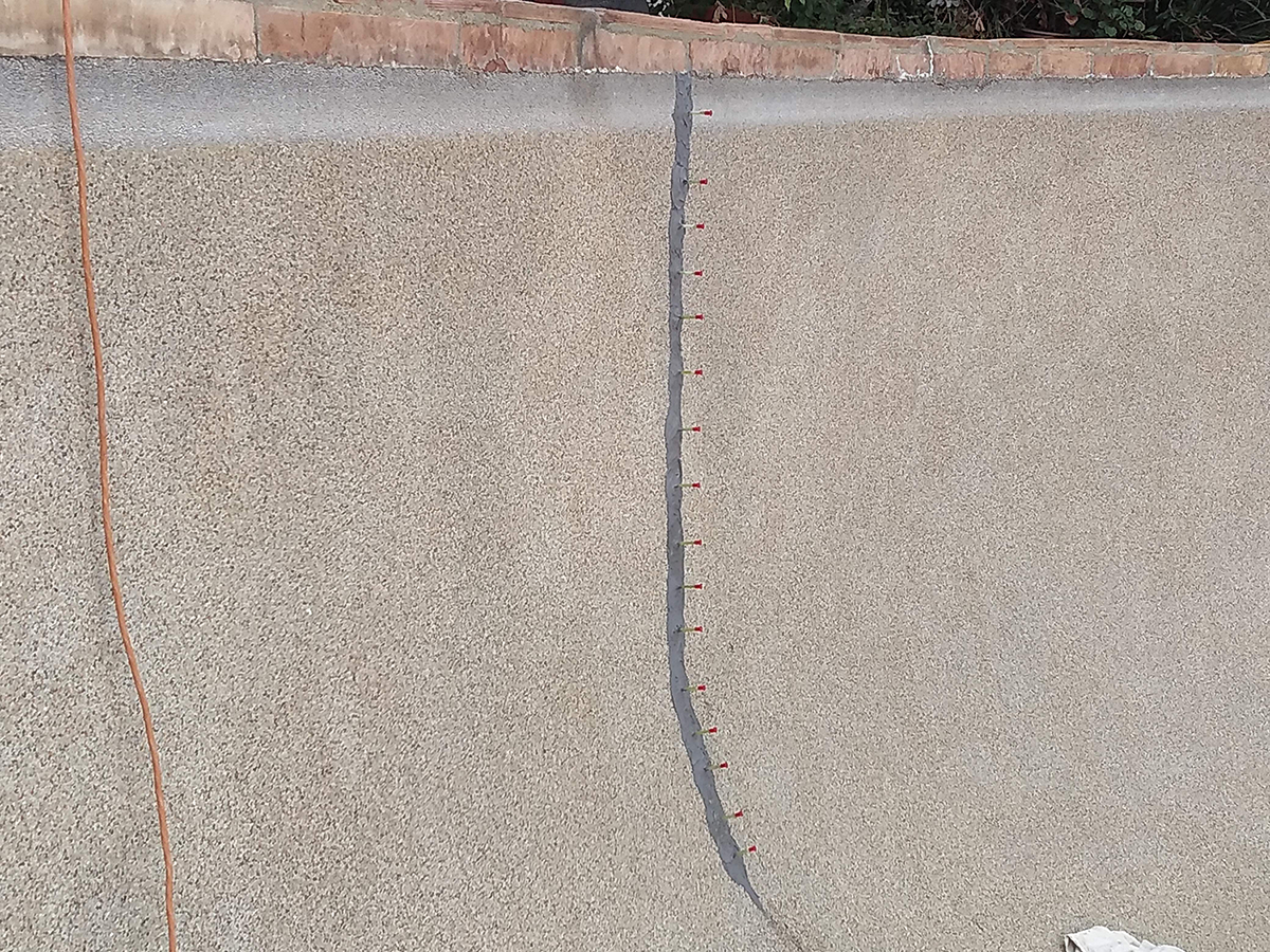 Pool Crack Repair